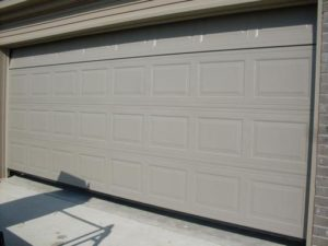 white garage door on a Little Rock home